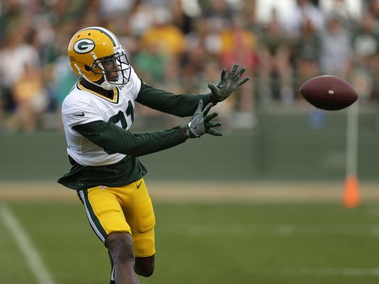 636056884233926012-es-gpg-packers-training-camp-7-1-1600386