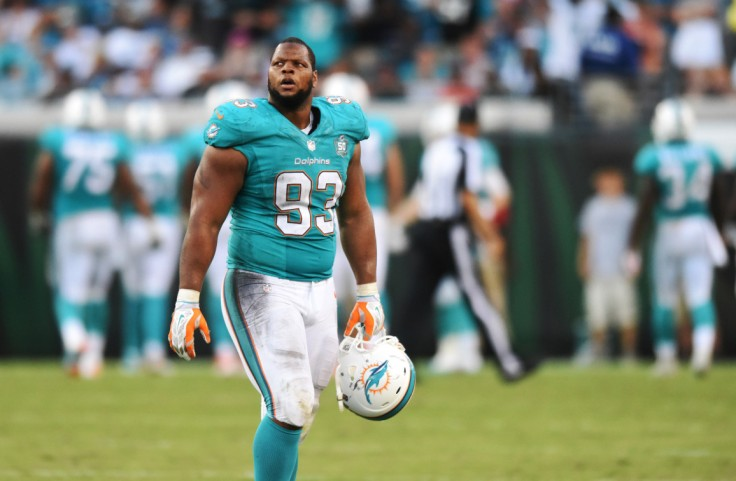 sfl-dolphins-coach-joe-philbin-denies-report-that-ndamukong-suh-was-ignoring-play-calls-20150921